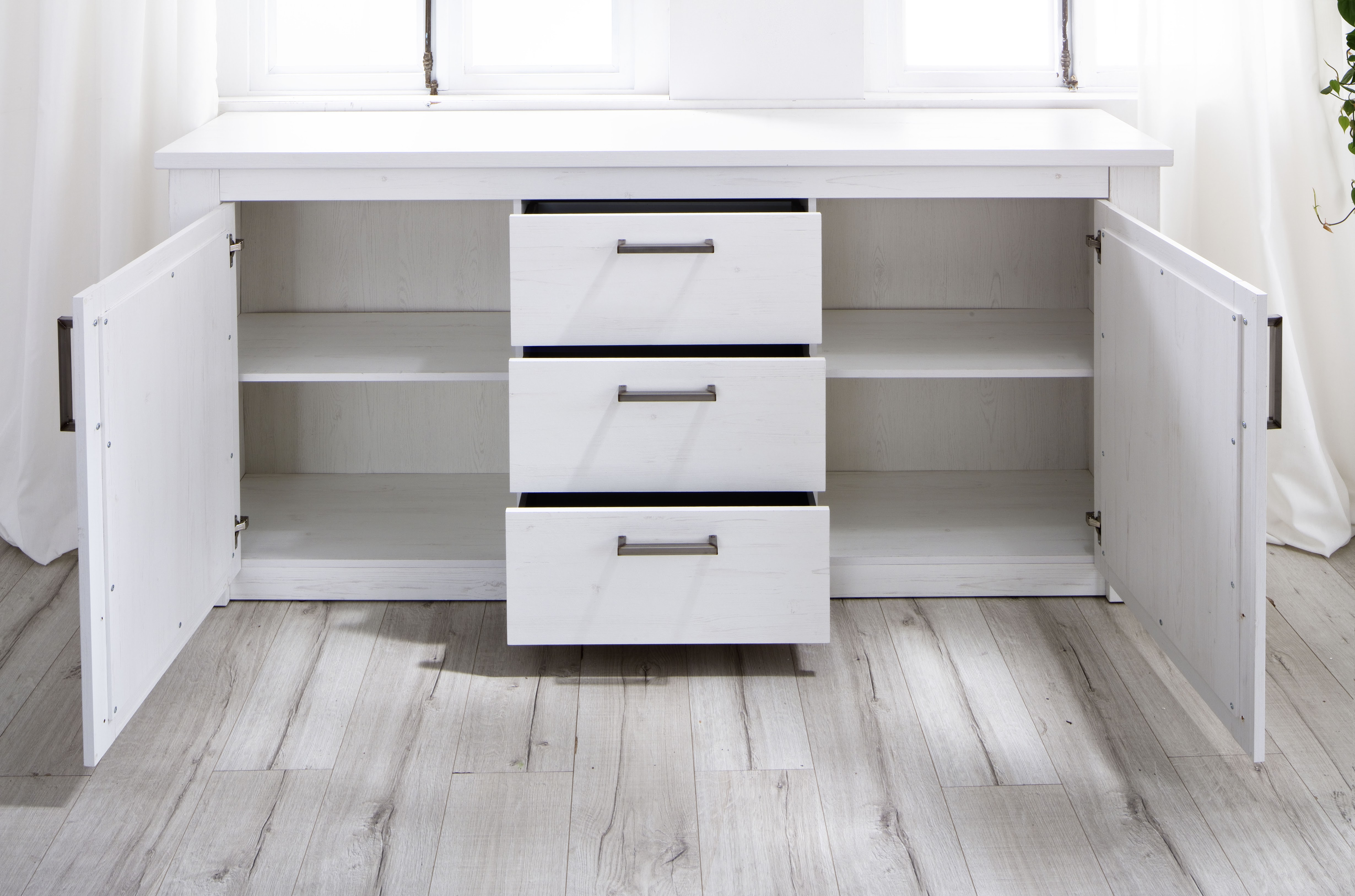 landhausstil sideboard georgia von trendteam pinie weiss. Black Bedroom Furniture Sets. Home Design Ideas